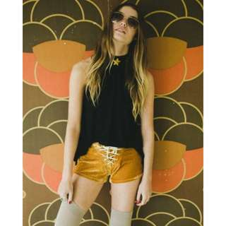 LENNI THE LABEL Jimi Shorts In Gold - Size 8