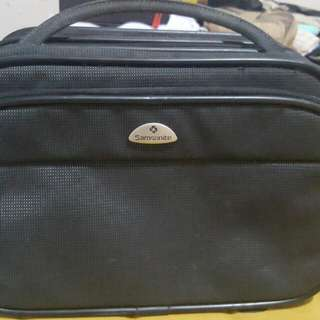 PRELOVED SAMSONITE BAG Multi compartment ideal for office and travel use 1800 php add 100 for SF