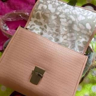 Longchamp Cocchino Crossbody Bag - Pink Petal