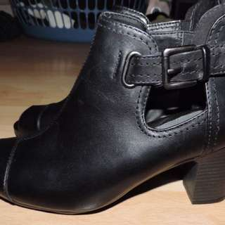 PLANET Shoes Alice Black Boots Size 8