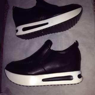 Sneakers Heels (charming)