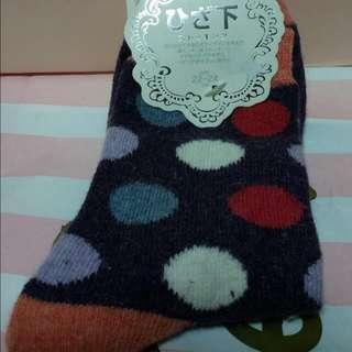 🚚 襪子 (22-24cm),羊毛16%兔毛8%。