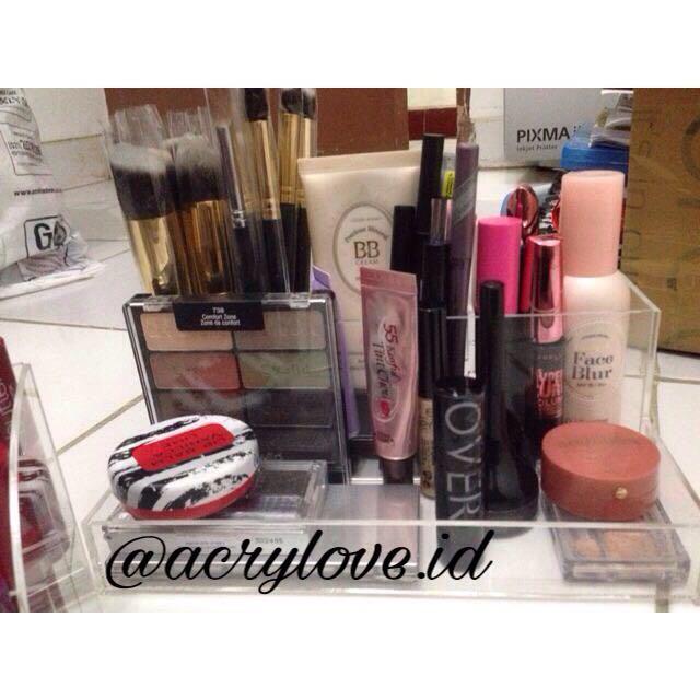 Acrylic Makeup