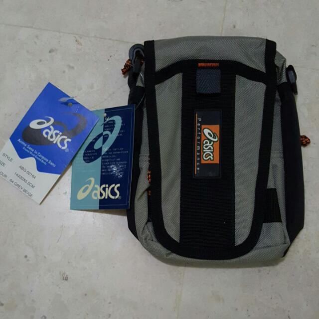 11581436f81 Authentic ASICS sling bag BN, Sports, Sports & Games Equipment on ...
