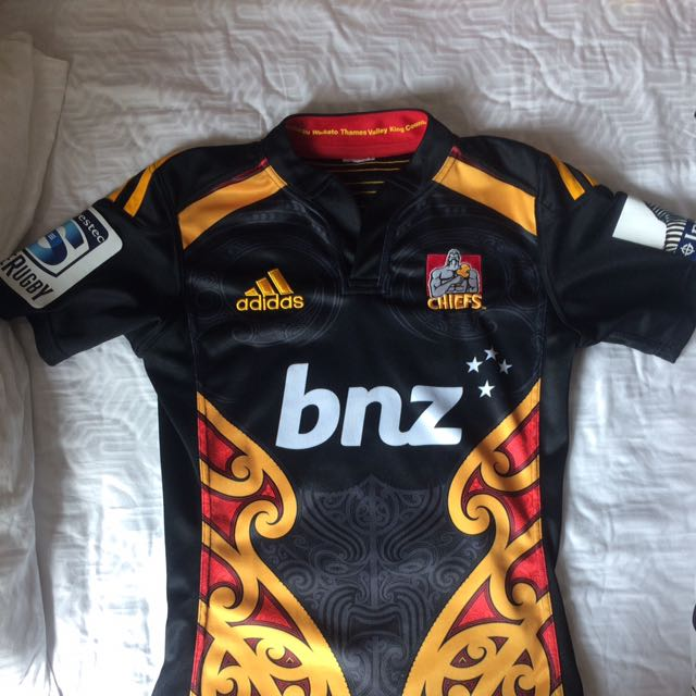 3c6eade00f4 AUTHENTIC Chiefs Super-rugbyOfficial 2015 Jersey, Sports, Sports Apparel on  Carousell