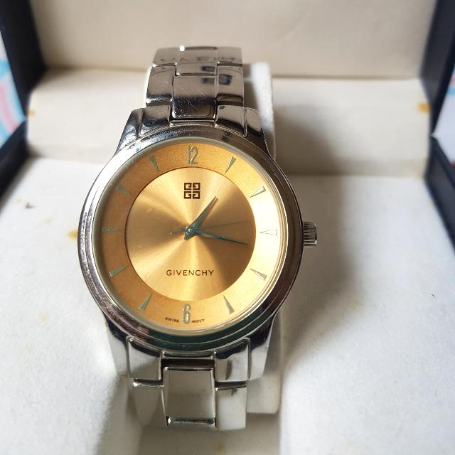 ⚠Price Drop!⚠Authentic Givenchy Wristwatch