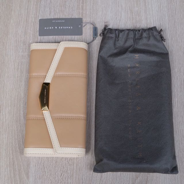 CHARLES & KEITH - Dompet