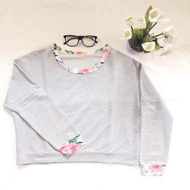 floral crop pullover ♡