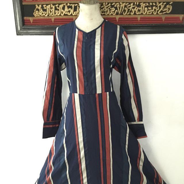 Gamis Modern/ Baju Muslim Style/ Abaya Cantik Navy Salur