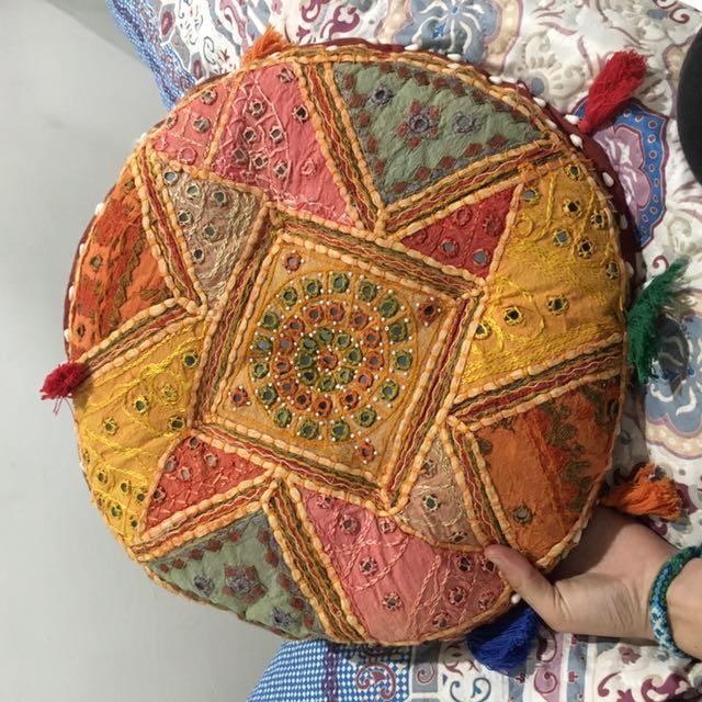 Ishka Hippy Round Pillow