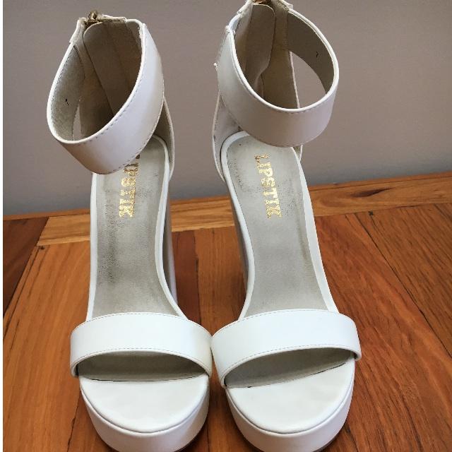 Lipstik Chunky White Heels