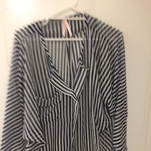 Lose Fitting Stripped Shirt