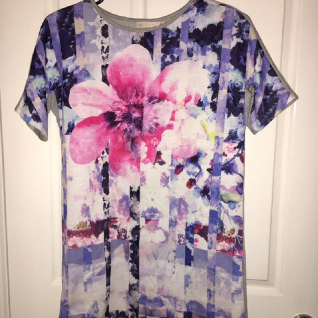 Size 8 - T-shirt Shift Print Dress