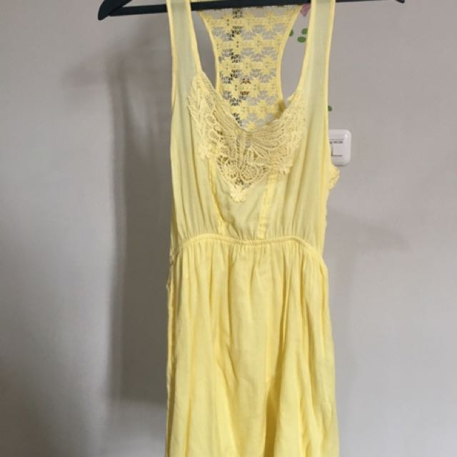 Stradivarius Dress Kuning