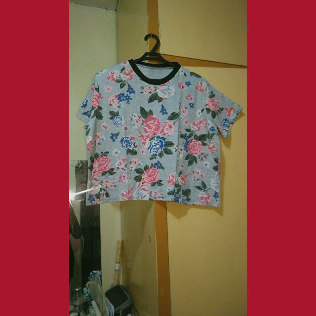 Trendy Floral cropped top