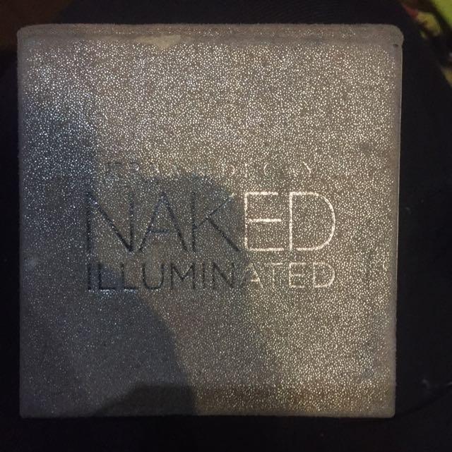Urban Decay Naked Illuminated aura