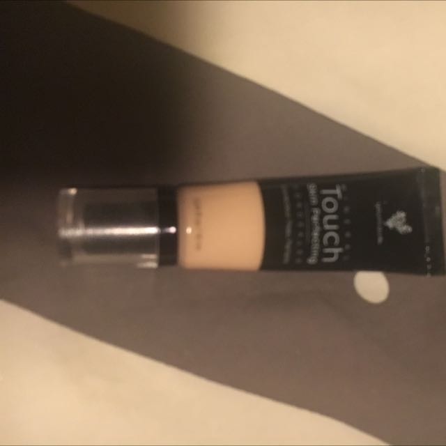 Younique Touch Concealer