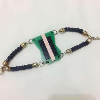 Antyk Butyk Acrylic Bracelet