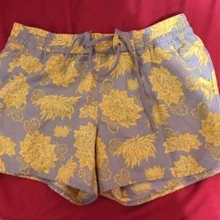 Roots 沙灘褲 海灘褲 海邊必備 玩水必備 夏天必備 短褲 泳褲 女生短褲 二手特價
