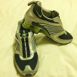Nike Shocks Running Shoes Size 7