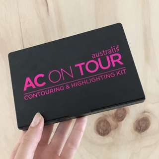 Australis AC on Tour Highlighting & Contouring Kit