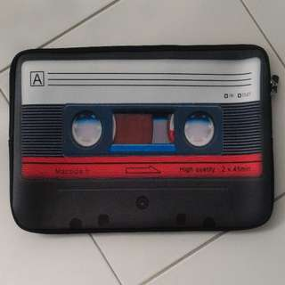 "BN 15"" laptop sleeve with cassette print"