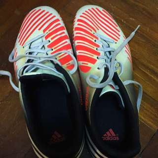 Soccer Shoes Male Adidas With Spikes Size UK - 8