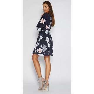 BNWT Size M Navy Floral Dress