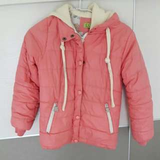 粉橘舖棉保暖外套(免費)