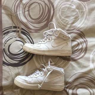 Size 7, White Nike Air Force 1's High Tops