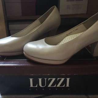 台灣製造LUZZI素面高跟鞋-面試約會婚宴/超百搭