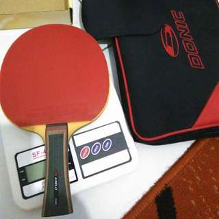 Used Pingpong Racket XIOM AXELO, Red Rubber NITTAKU HPB, Black Rubber XIOM VEGA EURO, Condition 9/10 the rubbers SOLD, left racket only sale S$90.
