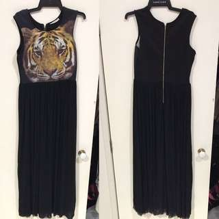 Lioness Maxi Dress With Tool