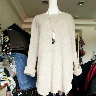 米色長版毛衣