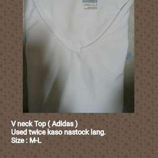 V neck white top