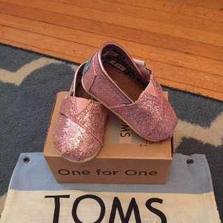 Toms Slip on