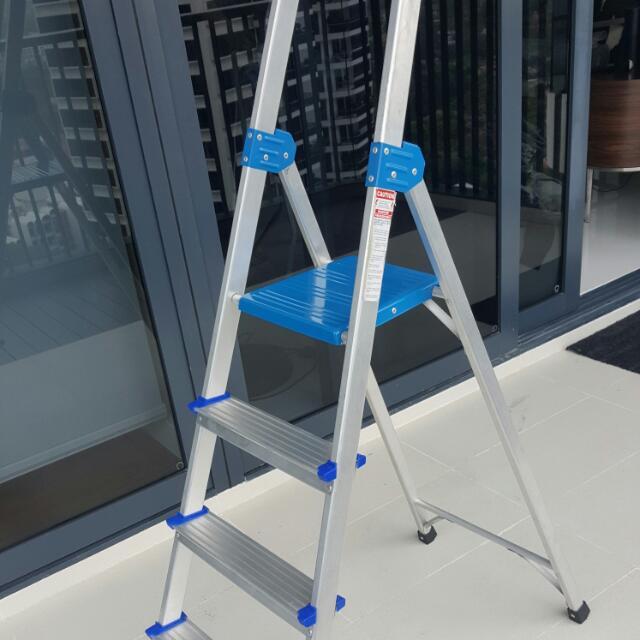 4 Step Ladder 35 SGD