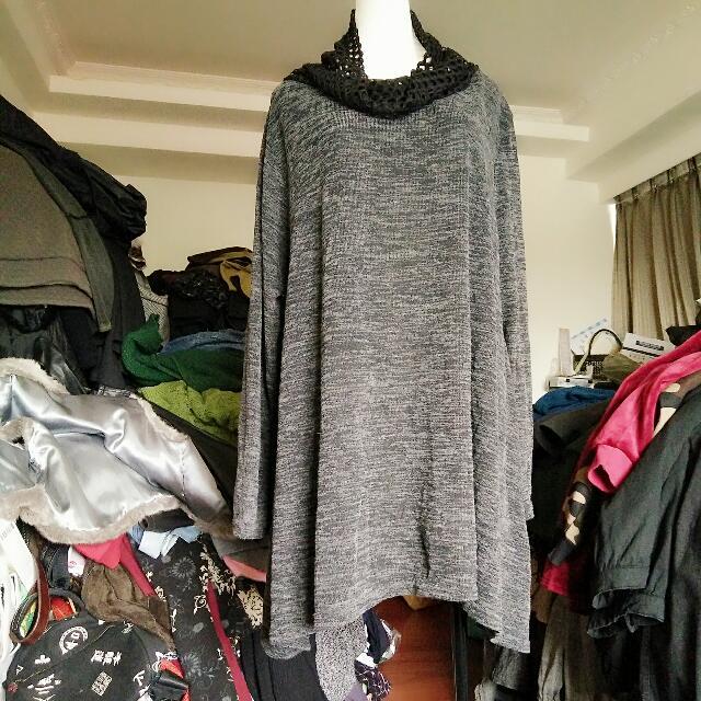 灰色長版上衣