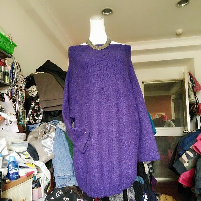 紫色一字領毛衣
