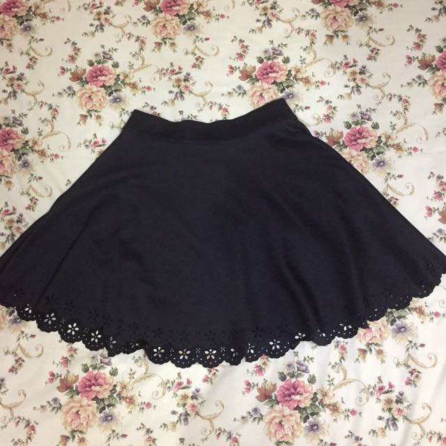 Black Skirt from Chic Simple