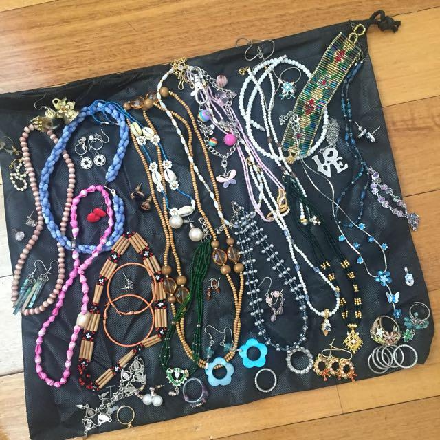 Bunch Of Assorted Jewellery