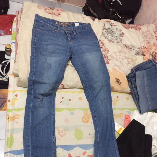 Essential Jeans