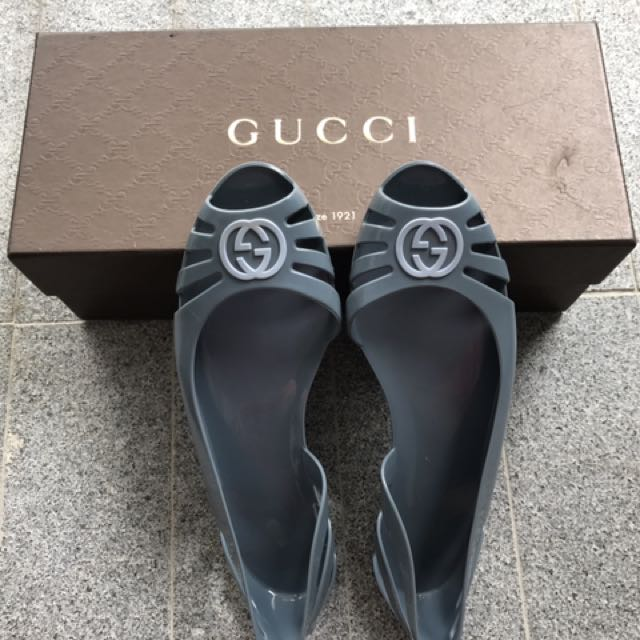 f537865dfbd0 Gucci Jelly Shoes ( 100% Authentic )