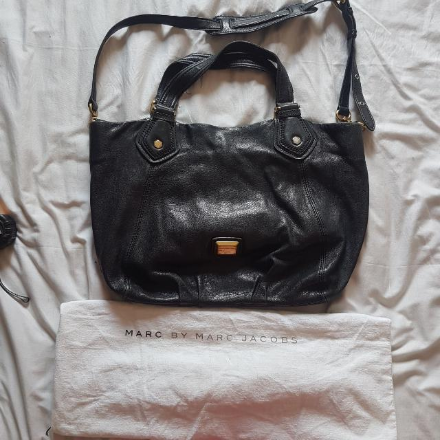10de4fb0f Marc Jacobs Black Bag, Women's Fashion, Bags & Wallets on Carousell