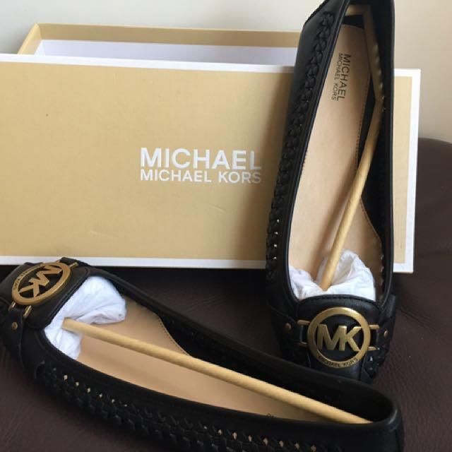 Michael kors 全新黑色金銅平底鞋8.5號