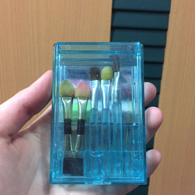 Mini Brush Kit Plus Mirror