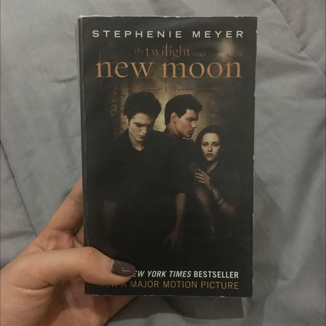 New Moon Stephenie Meyer Import