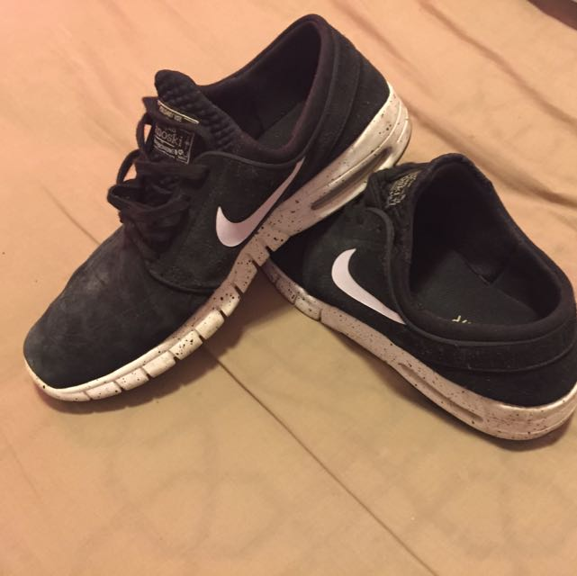 Nike Airs Size US9