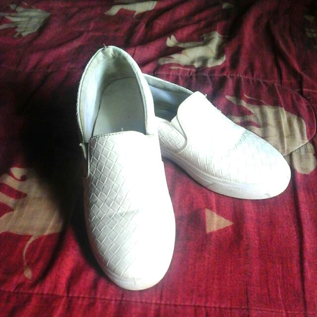 Preloved Branded Shoes ' White