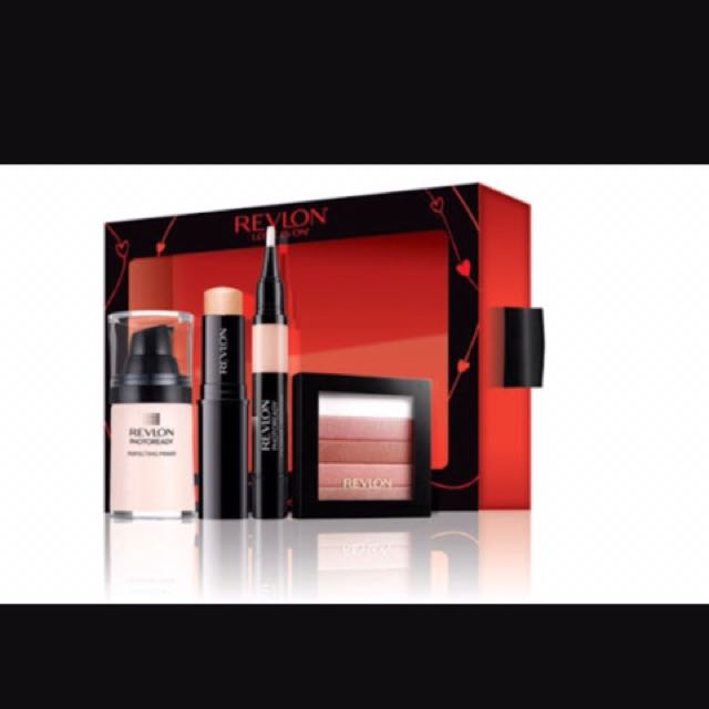 Makeup - Revlon Gift Pack